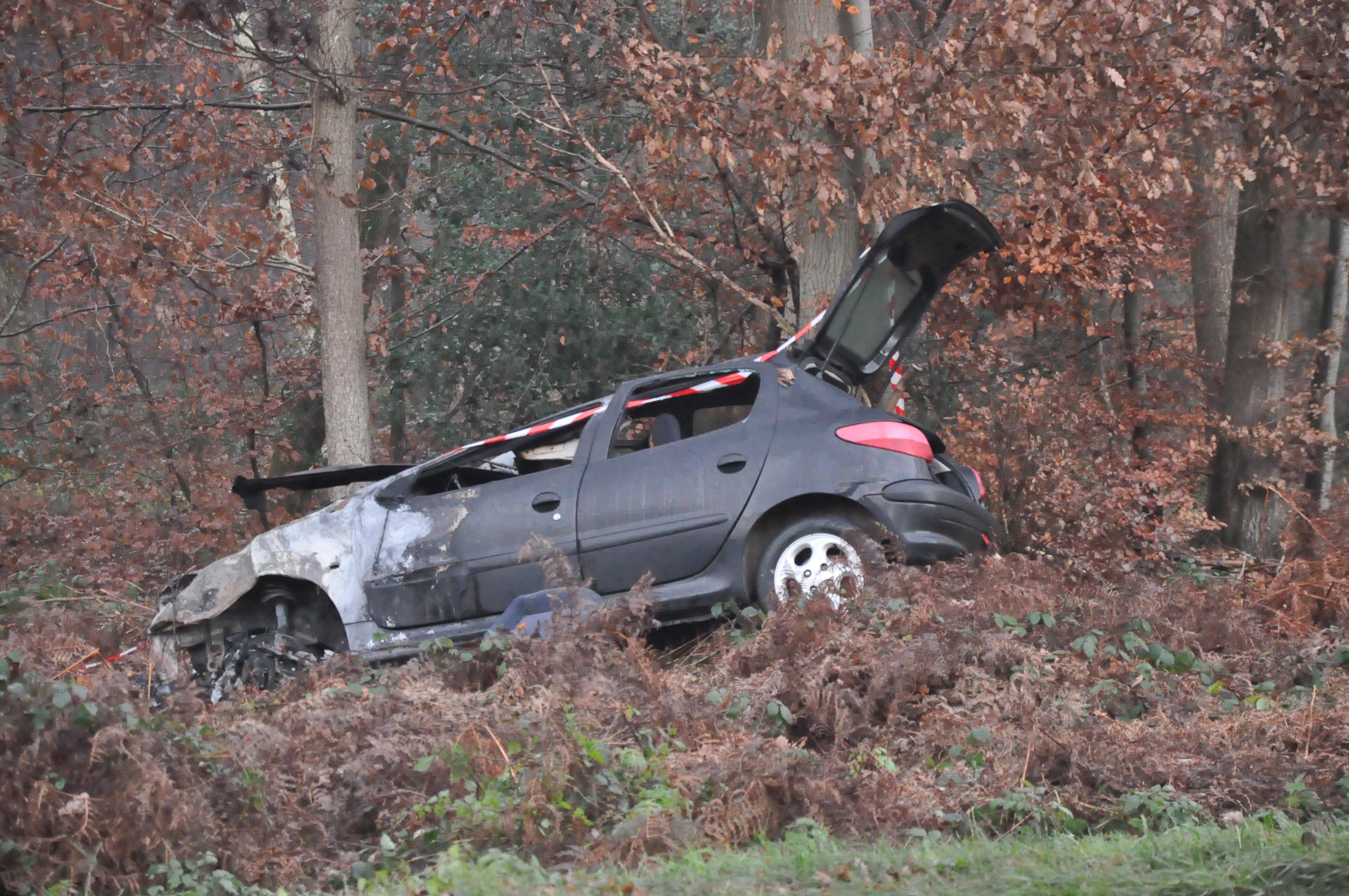 Enquête sur un feu de voiture suspect à Val-de-Reuil