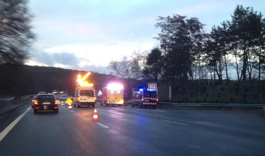 La collision s'est produite un peu après l'aire sud de Rosny-sur-Seine (Photos @Infonormandie)
