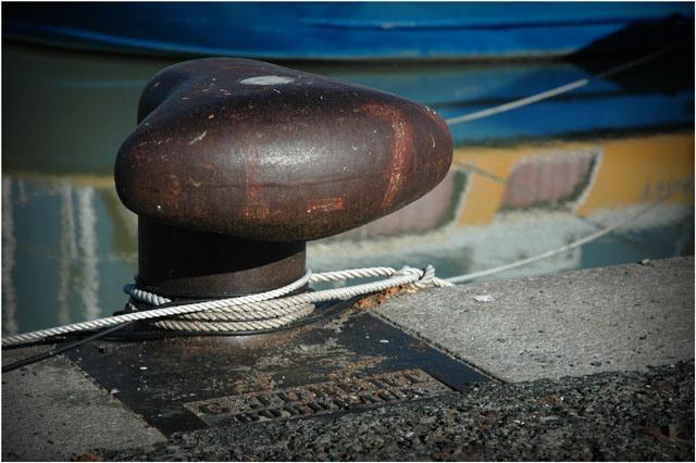 Des inconnus ont détaché les amarres de la barge qui est partie à la dérive (Photo d'illustration)