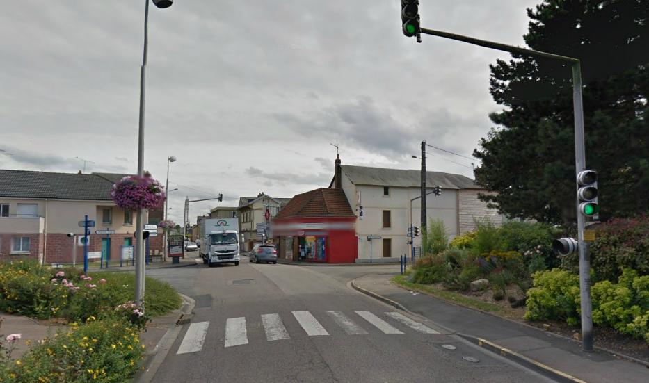 La collision s'est produite à ce carrefour formé par les rues Guillaume Laveissière et Jules Ferry, juste à côté de la gendarmerie (@Google Maps)