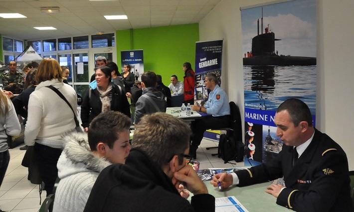 Comme à chaque fois, les stands de la marine, police, gendarmerie et de l'armée ont été très visités (Photo InfoNormandie.com)
