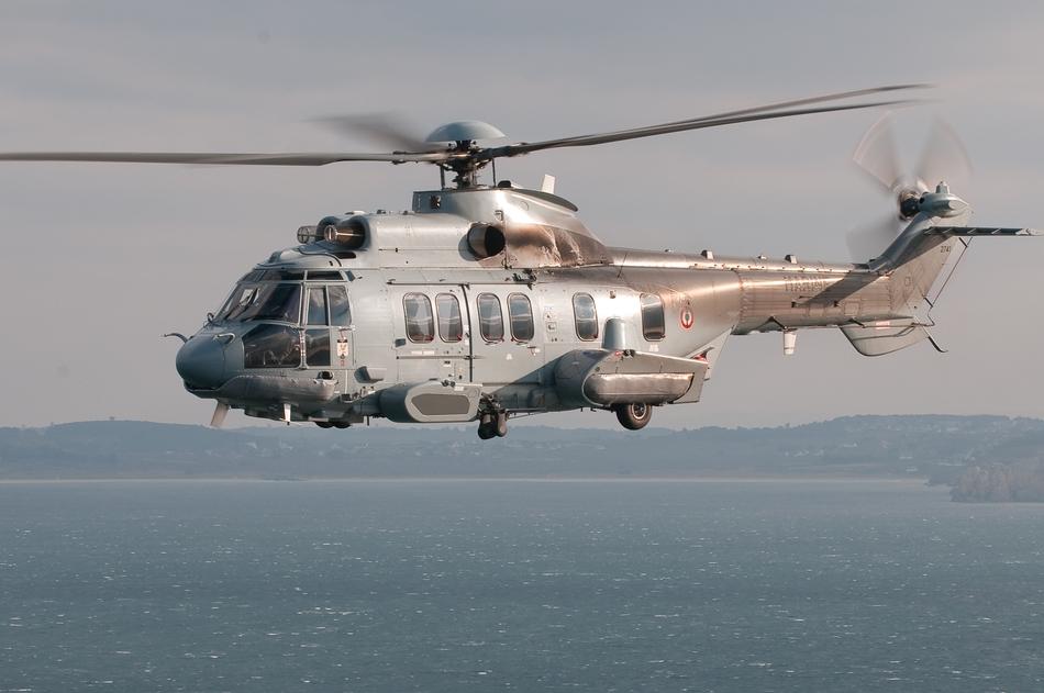 L'hélicoptère EC-225 de la marine nationale
