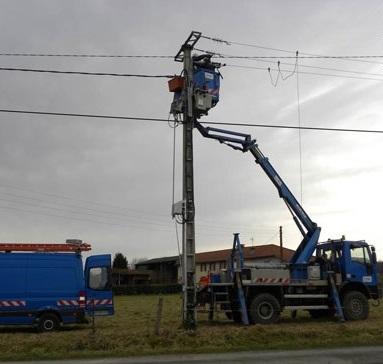 Vents violents : près de 2.000 clients privés d'électricité en Normandie