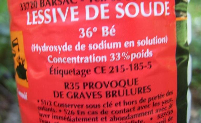 Le poids lourd transportait une tonne de lessive de soude classée parmi les matières dangereuses (Photo d'illustration)