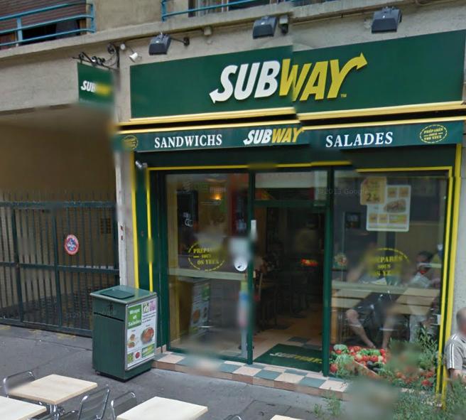 Le Subway, qui propose de la restauration rapide, est situé 4, rue Saint Lô, dans le centre ville de Rouen