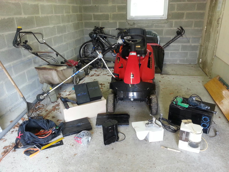 Une partie du matériel volé a été retrouvée lors des perquisitions