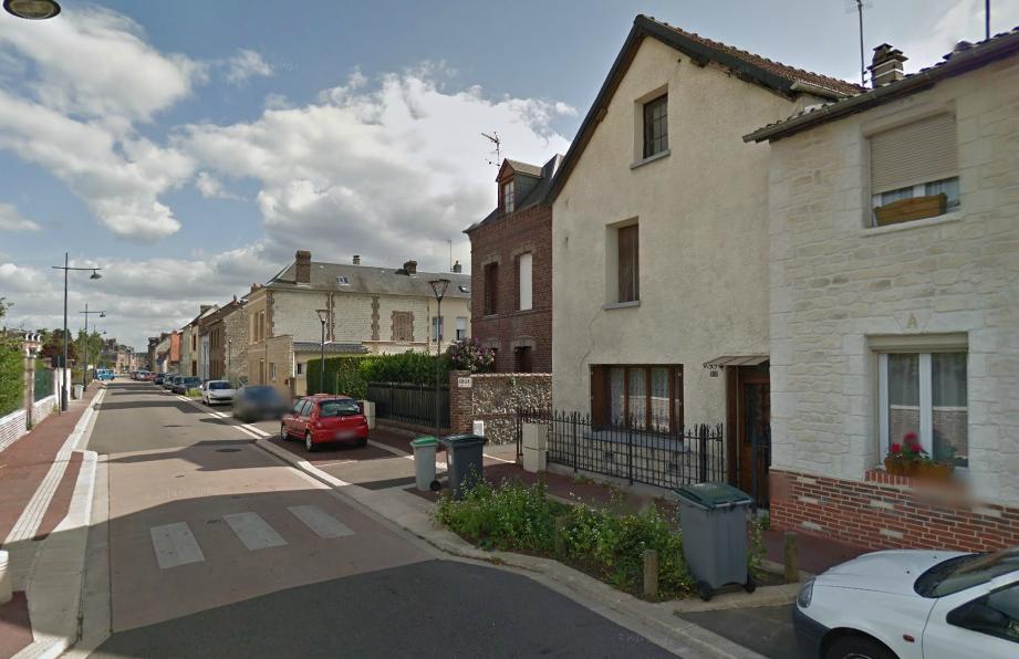 La demeure située au 141, rue Aristide-Brand, a été fortement endommagée (Photo @Google Maps)