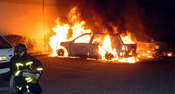 En Seine-Maritime, on estime à environ 700 le nombre de véhicules qui sont détruits ou endommagés par le feu chaque année. Il s'agit parfois de feu accidentel, mais le plus souvent l'origine est criminelle : vengeance, réglement de comptes, fraude à l'assurance... @Photo d'illustration