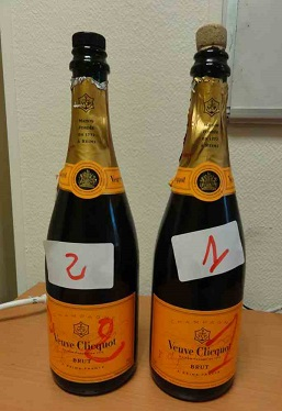Les douaniers saisissent des amphétamines liquides dans deux bouteilles de champagne