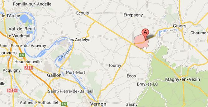 La route qui relie Gisors et Vernon a été coupée entre Vesly et Les Thilliers en Vexin
