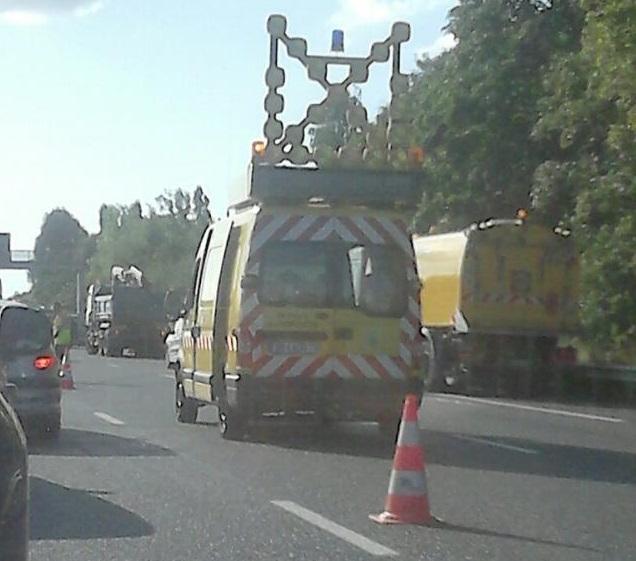 Accident sur l'A13 à Poissy entre un poids lourd et une voiture