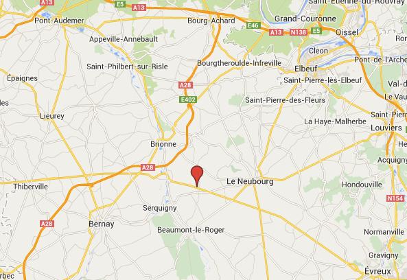 Le face-à-face s'est produit à hauteur de Thibouville (Eure) dans une ligne droite sur la D613 (ex-RN 13), axe qui relie Evreux et Lisieux