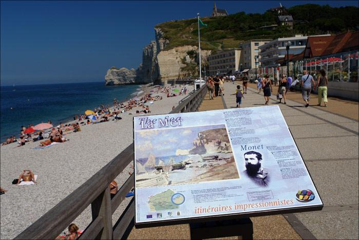 Etretat, une station balnéaire par excellence qui reçoi la visite de milliers d'estivants chaque été ( Photo d'illustration : Office de tourisme d'Etretat)