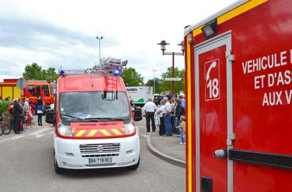 Les victimes ont été prises en charge par les pompiers et transportées par ambulance au centre hospitalier Jacques-Monod, de Montivilliers (Photo d'illustration de sapeurs-pompiers en intervention sur un accident)