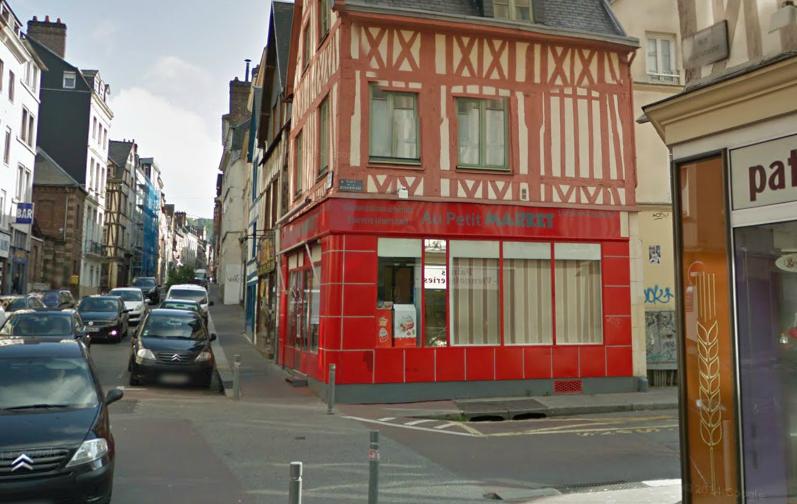 Les cambrioleurs sont entrés dans l'épicerie par effraction. Ils ont pu être interpellés grâce à un témoin (@Google Maps)