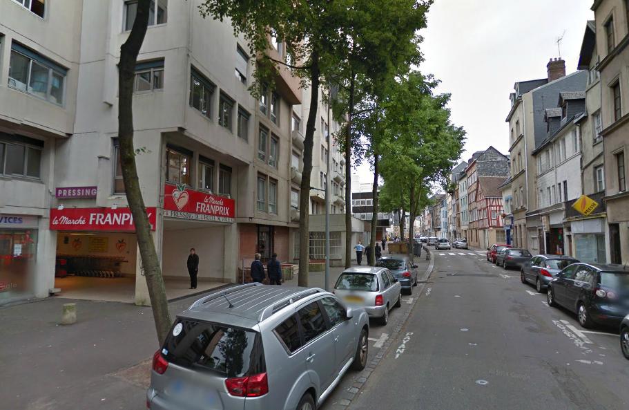 La rixe aurait éclaté dans un appartement de la rue Orbe, à proximité du magasin Franprix (@Google Maps)