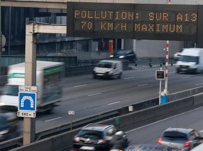 Le préfet de Haute-Normandie recommande (mais n'impose pas) aux automobilistes de réduire de 20 km/h leur vitesse (Photo d'illustration)