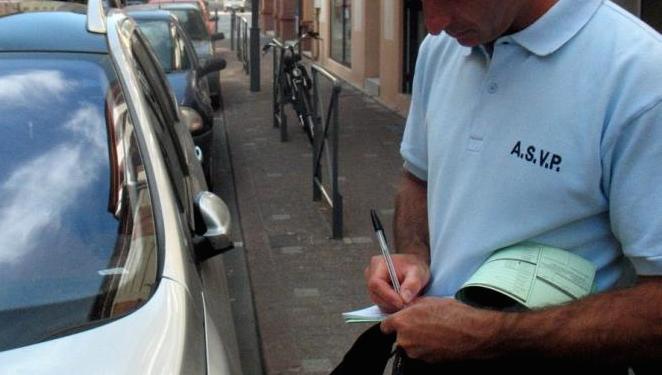 Les ASVP sont plus spécialement chargés de veiller au respect du stationnement et le cas échéant de verbaliser les contrevenants (Photo d'illustration)