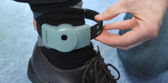 Le bracelet électronique permet à un détenu de purger sa peine en liberté avec quelques contraintes (Photo d'illustration)