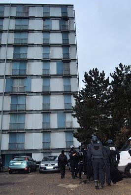 La deuxième cible rouennaise des enquêteurs versaillais était localisée dans cet immeuble de la rue de Gessard, à Rouen (Photo DR)