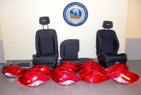 Optiques, feux arrières et sièges de véhicules : les voleurs à la roulotte revendaient les accessoires volés sur des sites d'annonces sur Internet (Photo Police Nationale)