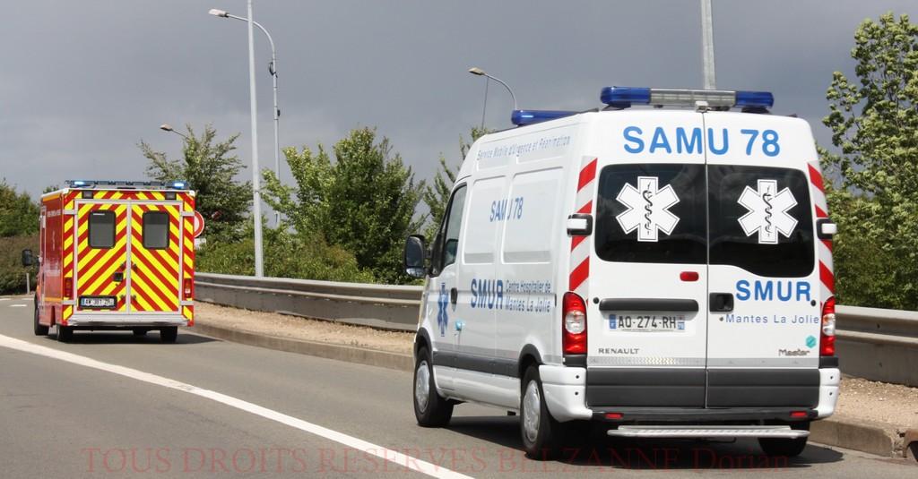 Le passager grièvement blessé a été transporté dans un état critique vers un hôpital parisien, escorté par des motards de la police (Illustration)