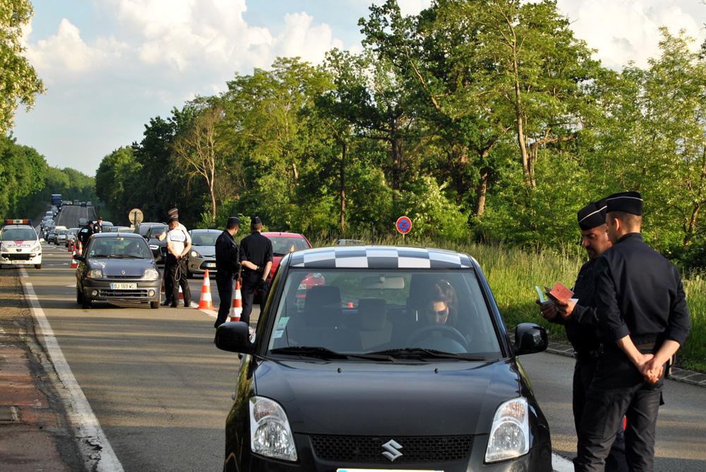 Faire baisser le nombre des accidents et de tués sur les routes des Yvelines était l'objectif des contrôles mis en place hier soir dans le département par les services de police (Illustration DDSP78)