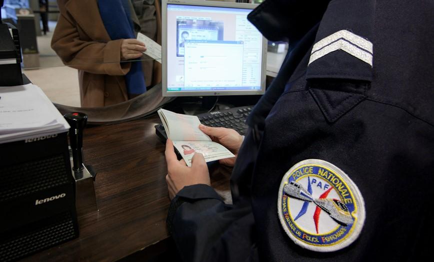 Les sept clandestins ont été placés en retenue dans les locaux de la police aux frontières (PAF) en attendant que l'administration statue sur leur sort (Photo d'illustration DGPN)