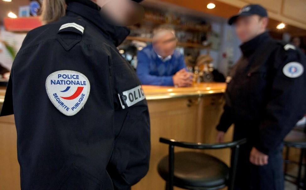 Photo d'illustration d'un contrôle de police dans un bar @DGPN