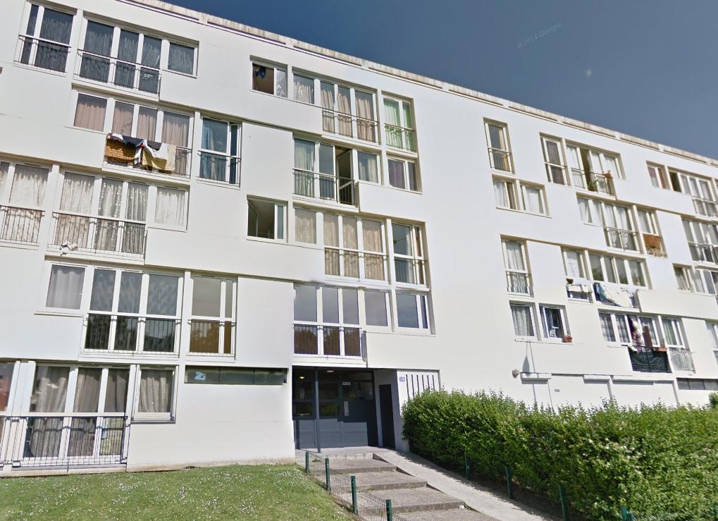 Le feu s'est déclaré dans un appartement au dernier étage de cet immeuble au 18, rue Charles Romme, au Havre (Photo d'illustration)