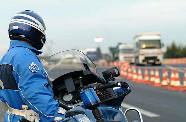Le fourgon volé a été vite repéré et pris en chasse par les gendarmes du PSIG de Rouen et des motards du Peloton motorisé d'Ecalles-Alix (Photo d'illustration)