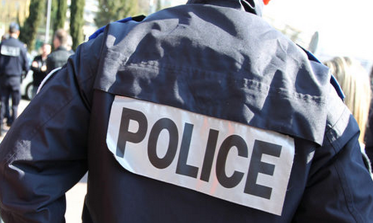 Les trois policiers ont reçu des coups au cours de l'interpellation d'un homme (Photo d'illustration)