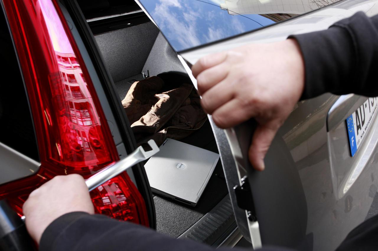 """Les services de police conseillent de ne pas laisser d'objets de valeur dans son véhicule pour ne pas tenter les """"roulottiers"""" (Photo d'illustration)"""