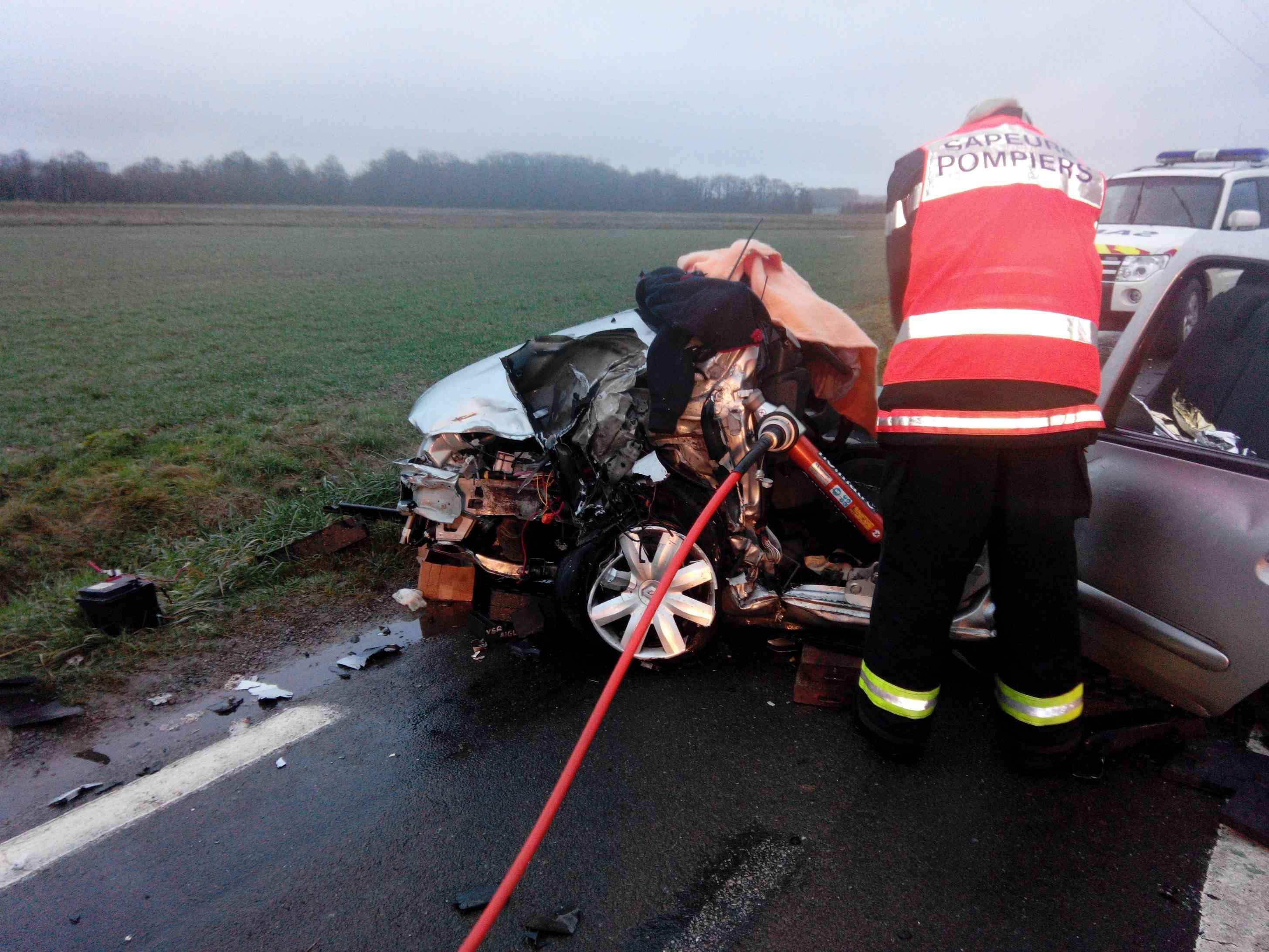 Le cinducteur de la Clio a été grièvement blessé à la tête (Photo DR)