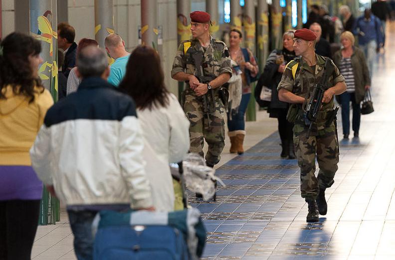 800 militaires vont épaulés dès ce matin les forces de police et de gendarmerie à Paris et les départements de la petite couronne (Photo @Défense nationale)