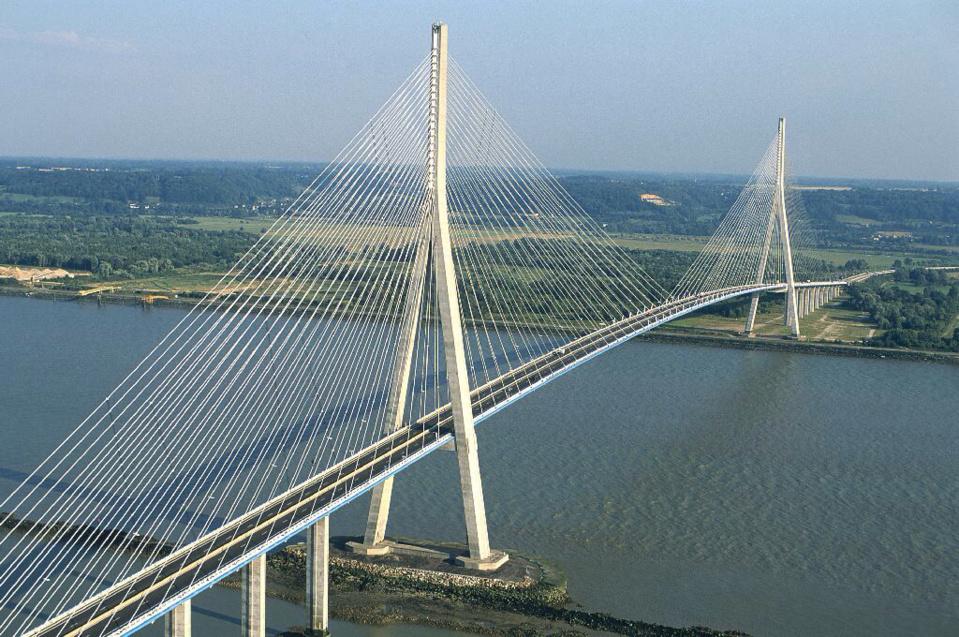 Le pont de Normandie a 20 ans : un symbole de la réunification de la Normandie
