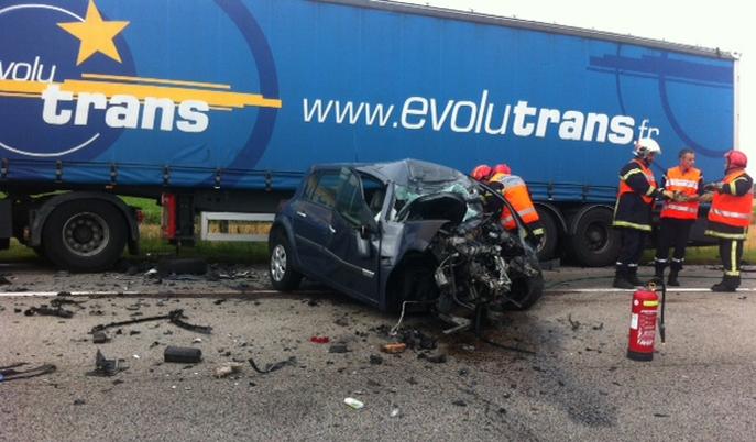Un conducteur de 84 ans a trouvé la mort dans ce terrible accident sur une route départementale de l'Eure, à Thibouville, en août 2014 (Photo infoNormandie)
