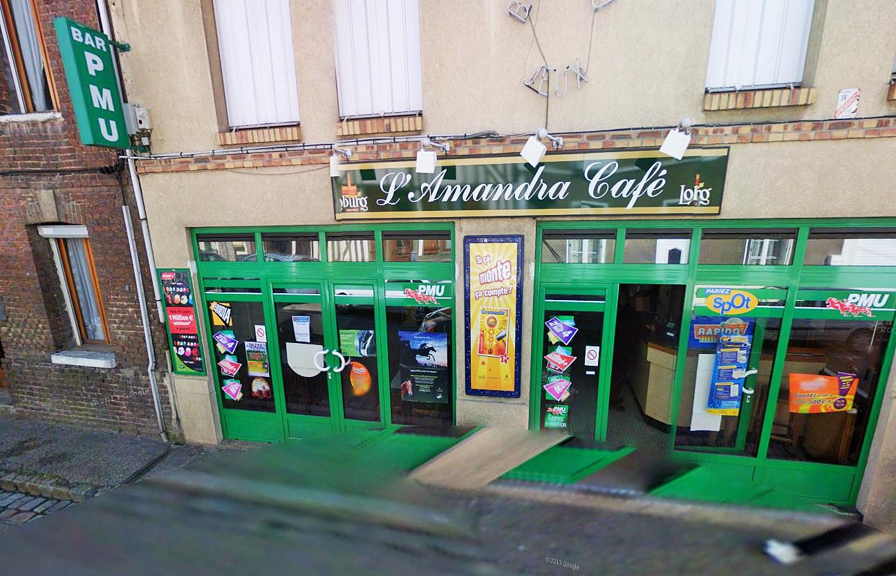 Le jeune homme s'en est pris à la devanture du café sans raison. Une plainte devrait être déposée par le commerçant pour dégradations volontaires (Photo d'illustration @Google Maps)
