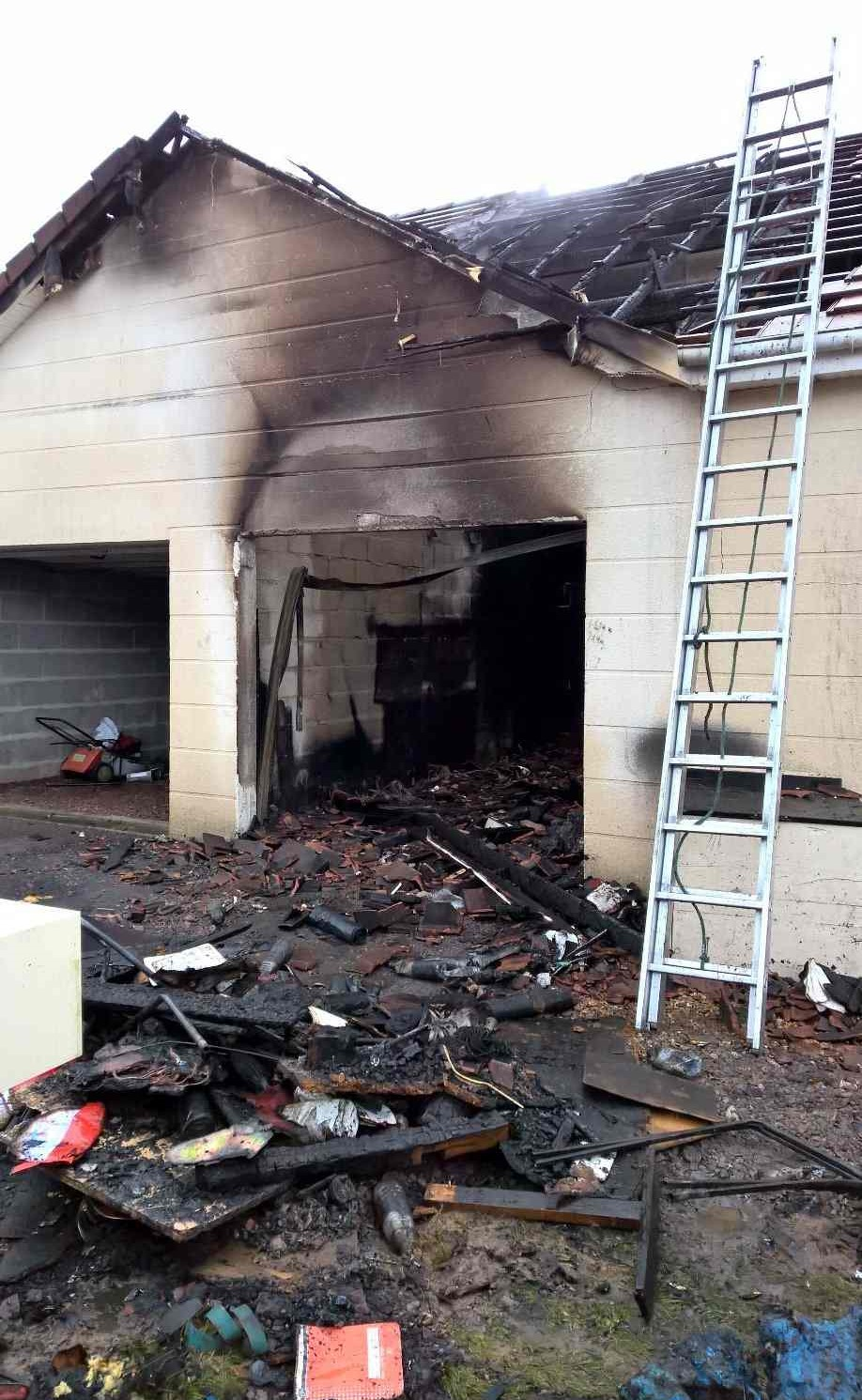Eure : une friteuse prend feu, deux pavillons endommagés et trois personnes incommodées