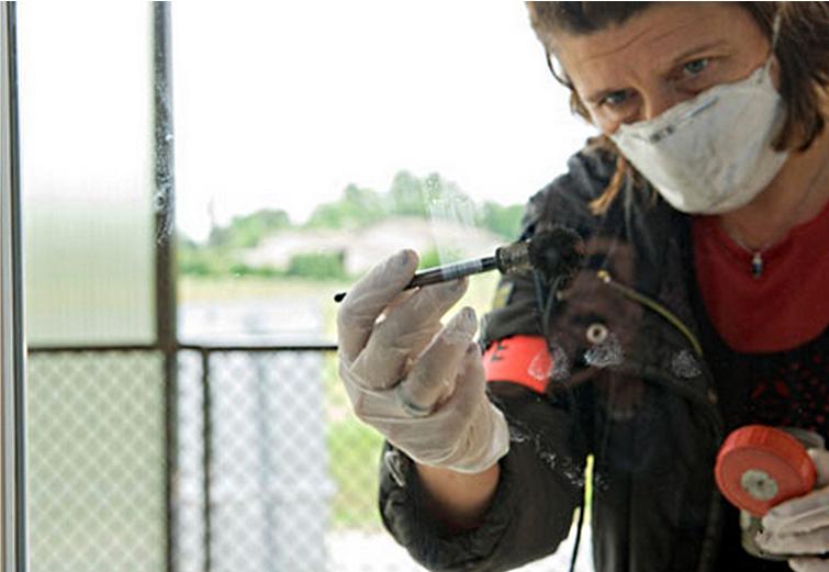 Les techniciens du groupe d'enquête criminalistique de la sûreté départementale, spécialisés dans la recherche d'empreintes et de traces ADN, ont réalisé un gros travail sur chacun des lieux cambriolés (Photo d'illustration)