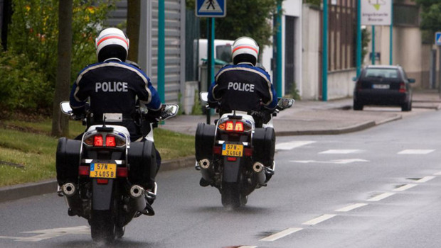 Le chauffeur routier a été intercepté par les motards de la formation motocycliste urbaine (Photo d'illustration)