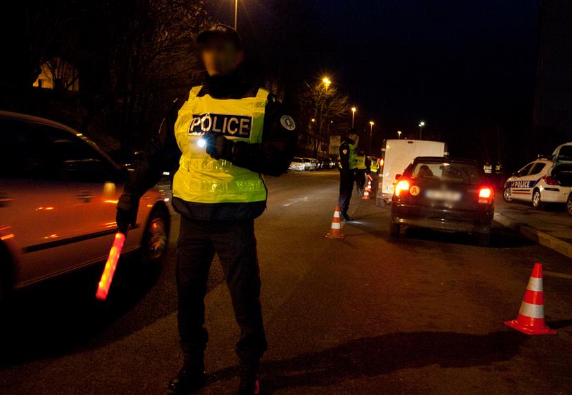 L'automobiliste, en état d'ivresse et sans permis, roulait dangereusement et à vive allure lorsque les policiers ont voulu l'intercepter pour le contrôler (Photo d'illustration @DGPN)