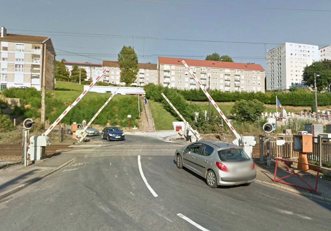 Le drame s'est produit à une centaine de mètres du passage à niveau situé rue Flaubert à Notre-Dame-de-Bondeville qui était fermé (Photo d'illustration)