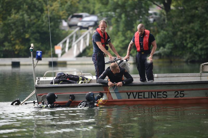 Les sapeurs-pompiers ont inspecté le fleuve en amont et en aval de l'endroit où le septuagénaire aurait disparu (Photo d'illustration @Sdis78)
