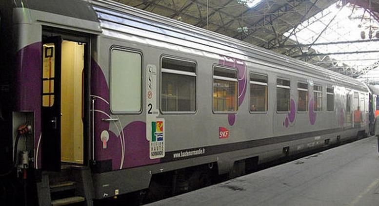 La jeune femme, soupçonnée de deux agressions, à bord du train Paris - Rouen, a été interpellée à se descente en gare de Oissel (Photo d'illustration)