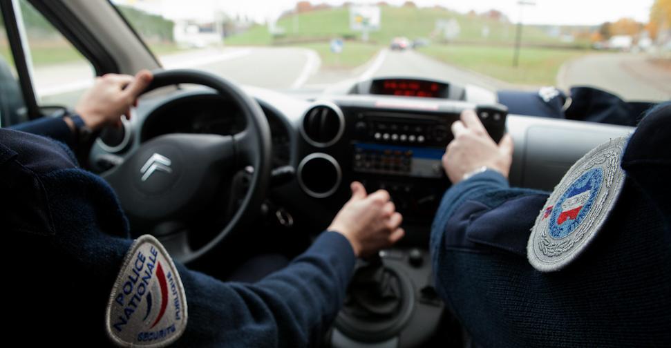 """Rouen : à 14 ans, il """"emprunte"""" une voiture pour raccompagner ses copines"""