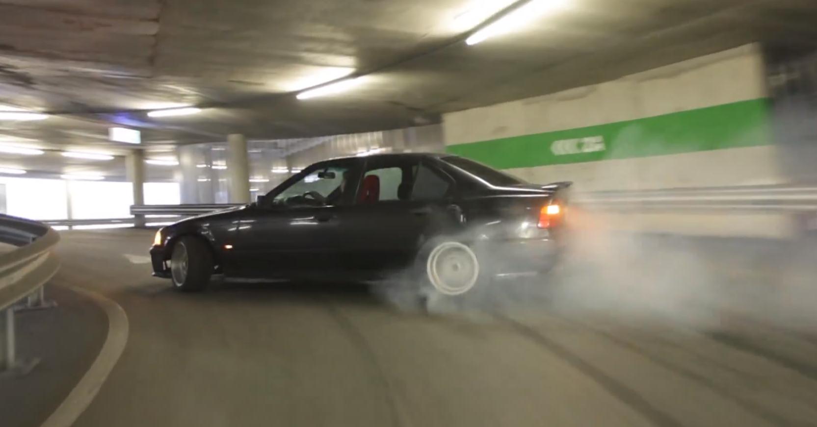 """Le """"drift"""" consiste à faire fumer les pneus par des accélérations brutales et des dérapages au frein à main (Photo d'illustration)"""