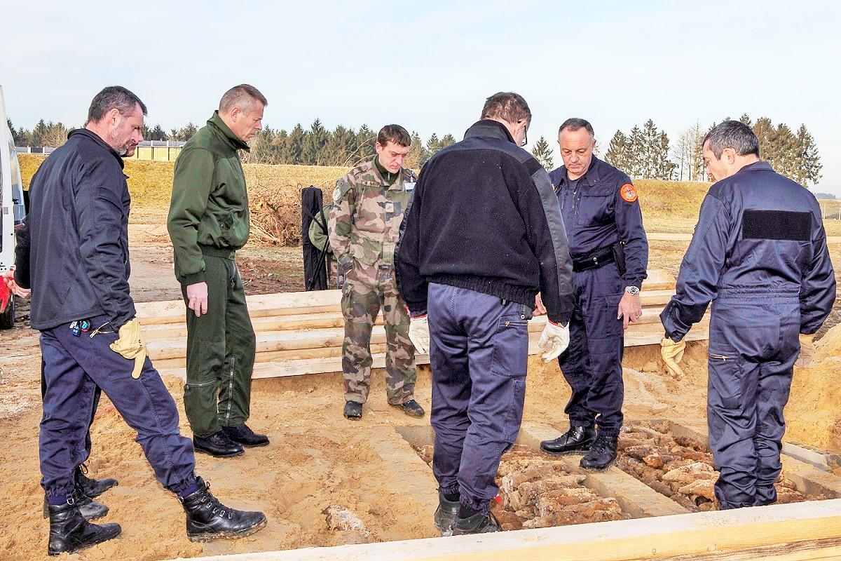 L'opération de déplacement des munitions s'est déroulée samedi sous le contrôle des démineurs
