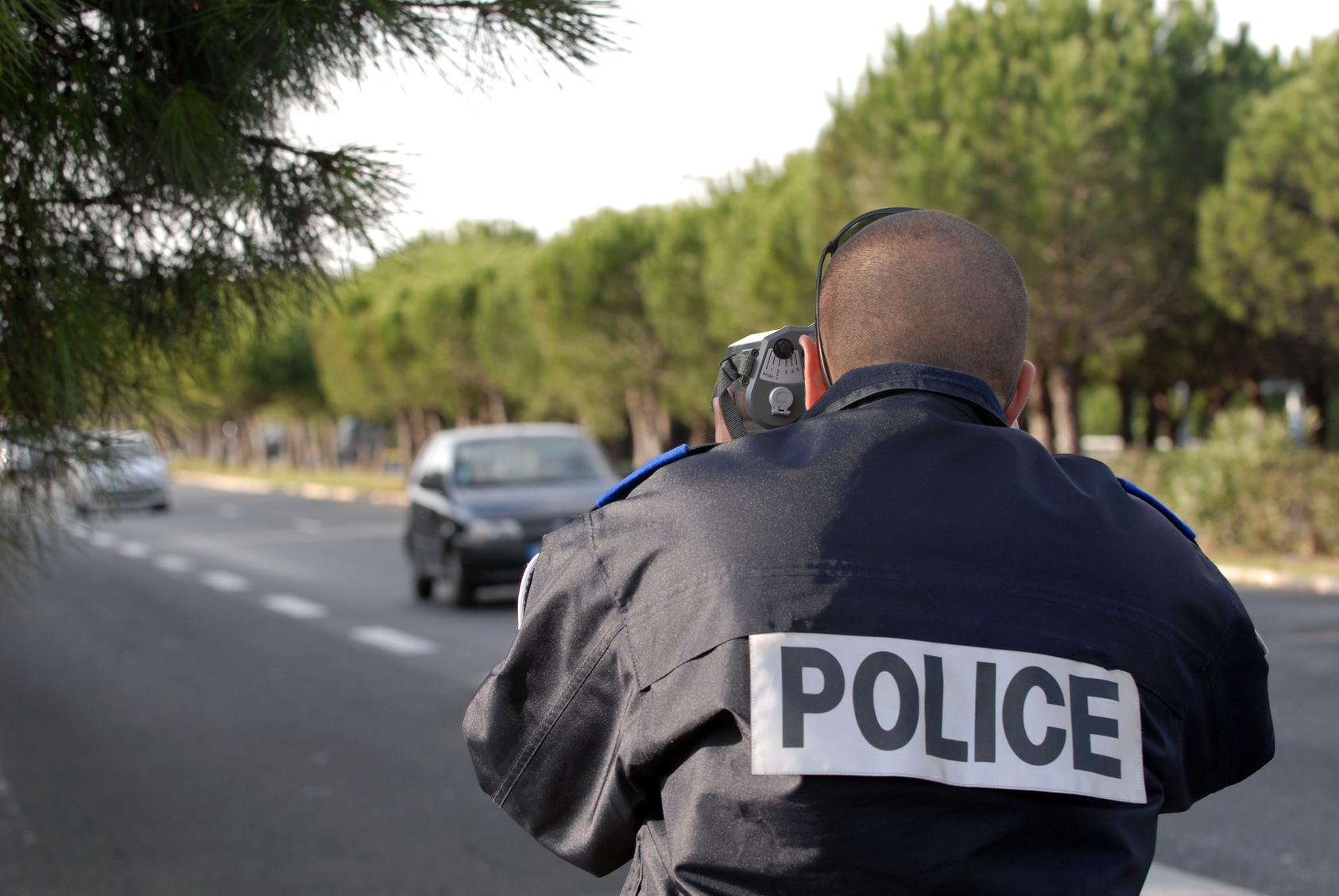 Photo d'illustration d'un contrôle de vitesse effectué par des policiers   © Firenight - Fotolia.com