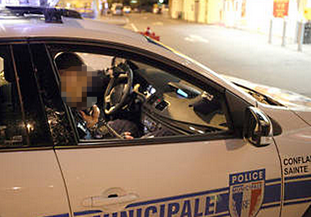 Le conducteur de la fourgonnette accidentée a été découvert inconscient par un équipage de la police municipale (Photo d'illustration @DR)